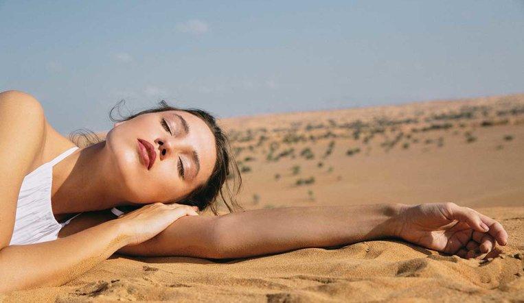 Chanel تأخذنا برحلة إلى الصحراء مع مجموعة مكياج ربيع وصيف 2020