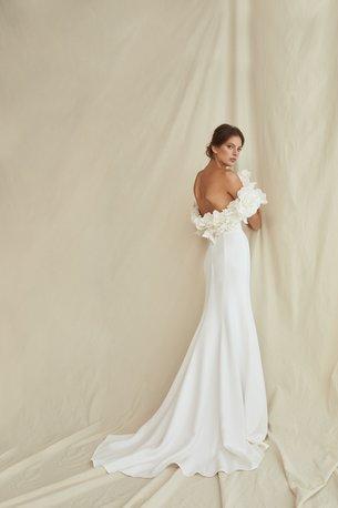 Oscar_de _la_Renta_Spring_2021_Bridal_Look_3.jpg